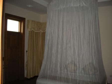 蚊帳付きのベッド(ミャンマー)