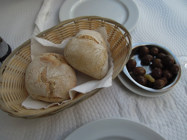 パンとオリーブ