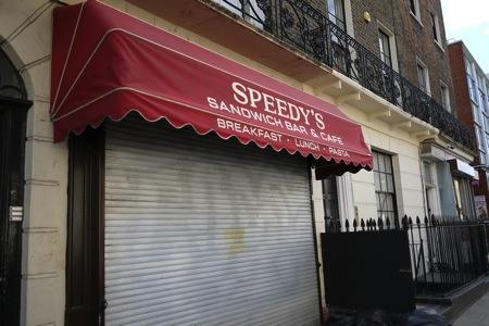 シャーロックの下宿の下のサンドイッチ屋さん