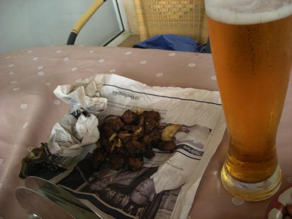 ビールとリベリア屋台焼き肉