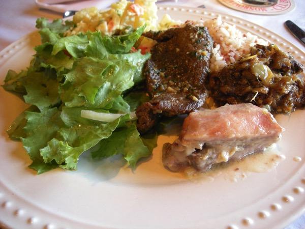リベリア料理ビュッフェ