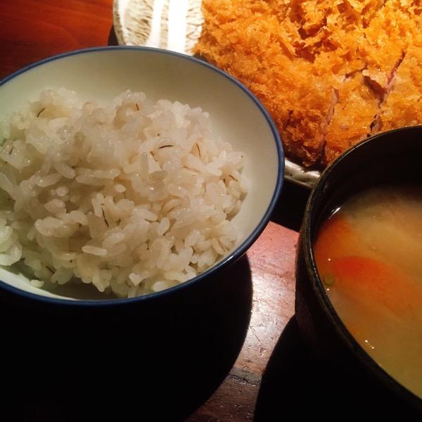 かつくらご飯と味噌汁