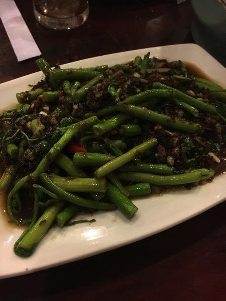青菜と蟻の炒め物