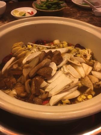 アシマのキノコ鍋