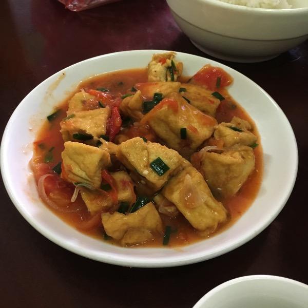 揚げ豆腐のトマトソース
