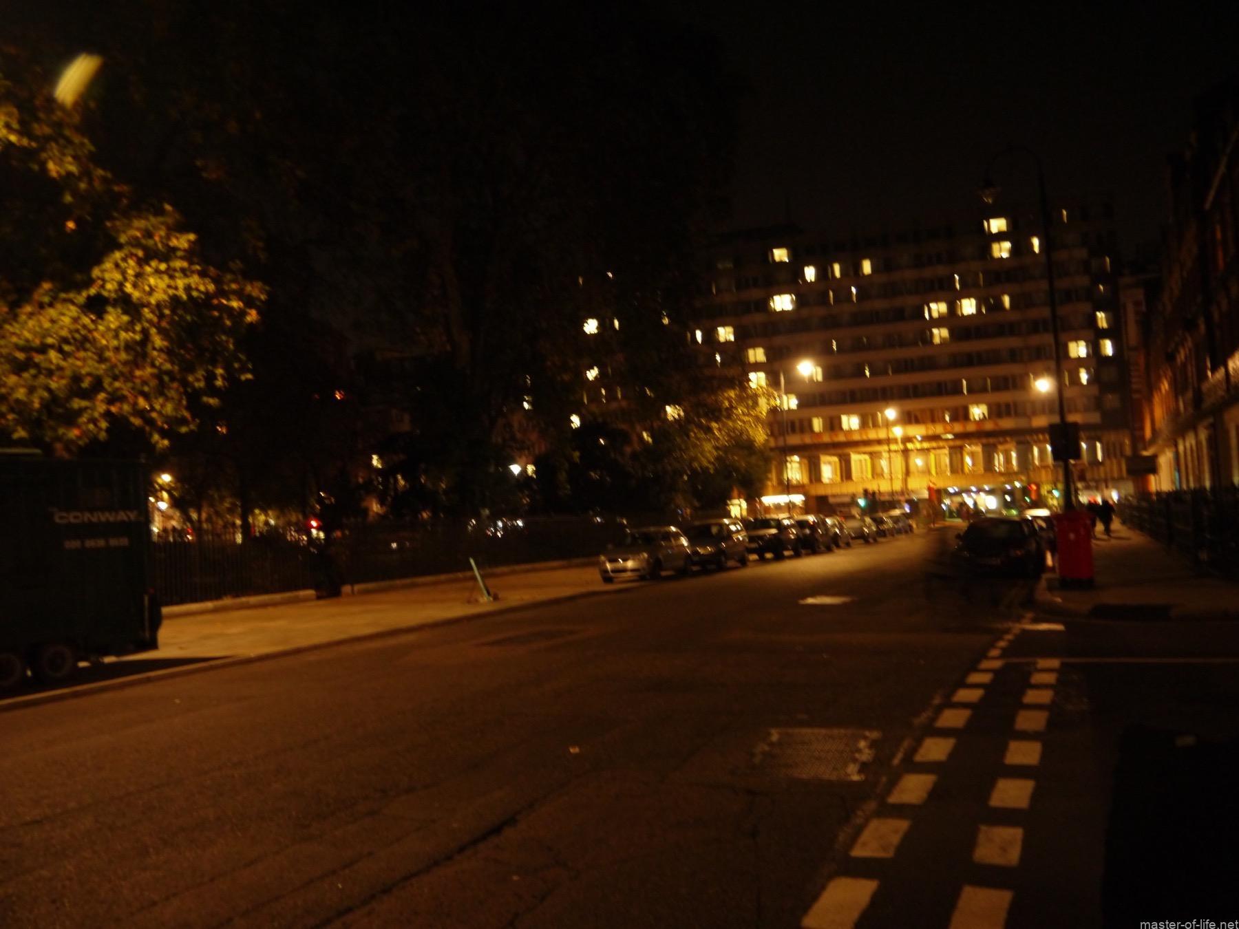 ラッセルスクエア
