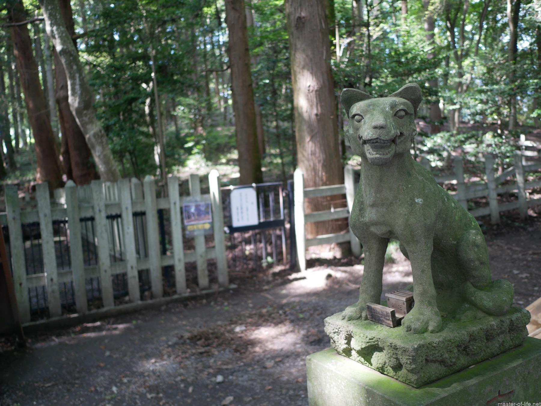 寳登山神社奥宮狛犬